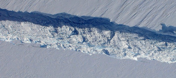 Watch a 20-Mile Long Iceberg Drift Into the Southern Ocean